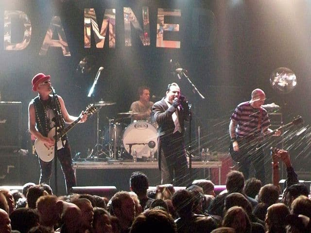 Le premier groupe Punk : The Damned 2